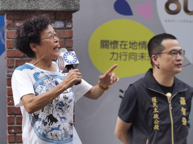 嬤嗆陳時中「混蛋」 羅智強發2文挺「下次找她站台」   華視新聞