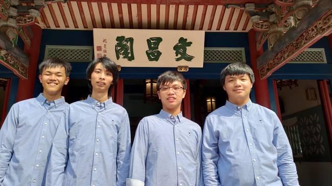 台灣之光!國際資訊奧林匹亞 我國高中生獲3銀1銅 | 華視新聞