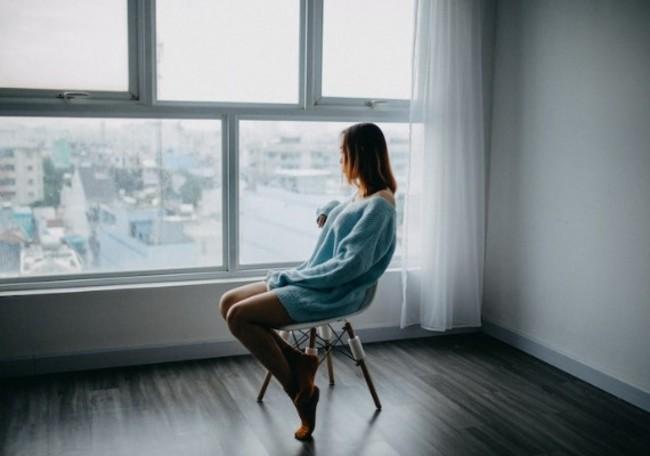 【網路溫度計】一回家就開電視當背景音!過來人曝獨居都遇過的10大煩惱 | 華視新聞