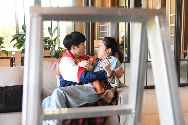 邱昊奇封《廢財》搞笑擔當 笑稱與梁舒涵是絕配 | 華視新聞