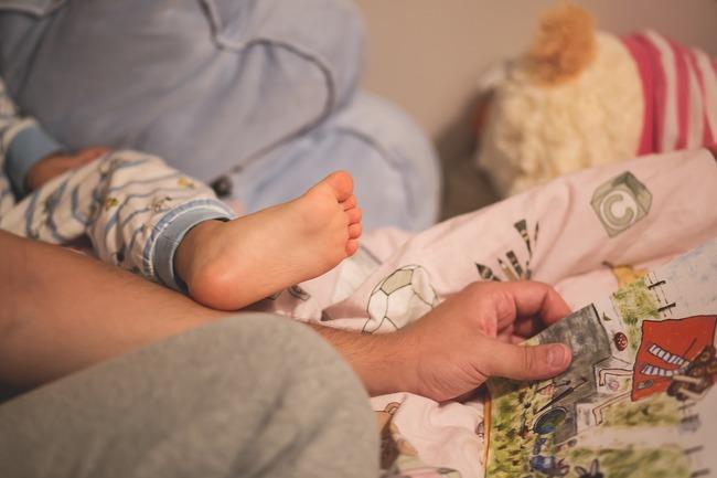 網購暖暖包爆炸燙傷1歲嬰 醫憂:恐變長短腳 | 華視新聞