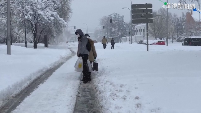 最強寒流撲日 青年冒風雪辦成人式   華視新聞