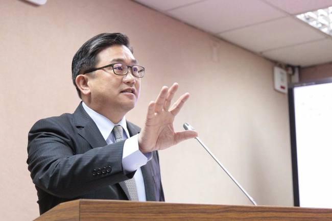藍營凍結疾管署預算1000萬 王定宇怒轟:人豬不分 | 華視新聞