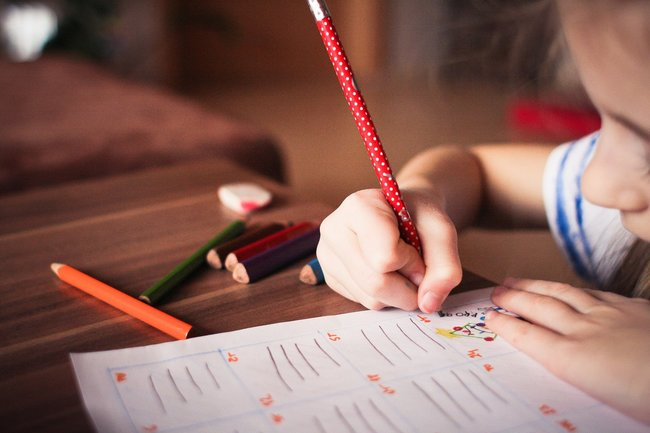 國外瘋傳2張「X光照」:別逼學齡前孩子學寫字   華視新聞