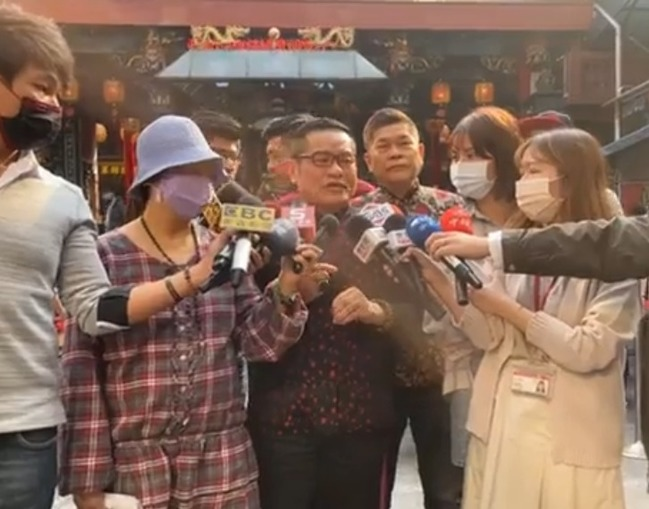 遭捲雞排妹性騷疑雲 許效舜:每個人都該被保護 | 華視新聞