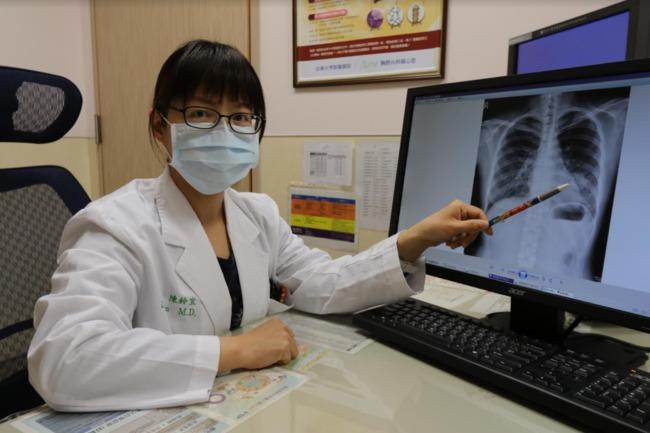 中年婦人「肩骨痛」求醫 竟罹肺腺癌合併骨轉移 | 華視新聞