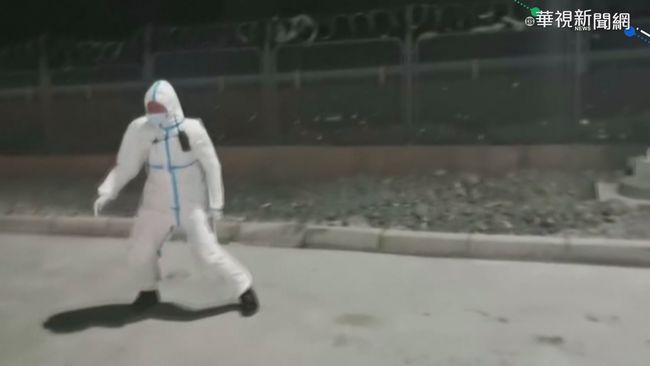 烏魯木齊掀14級狂風 50公斤民警遭吹翻   華視新聞