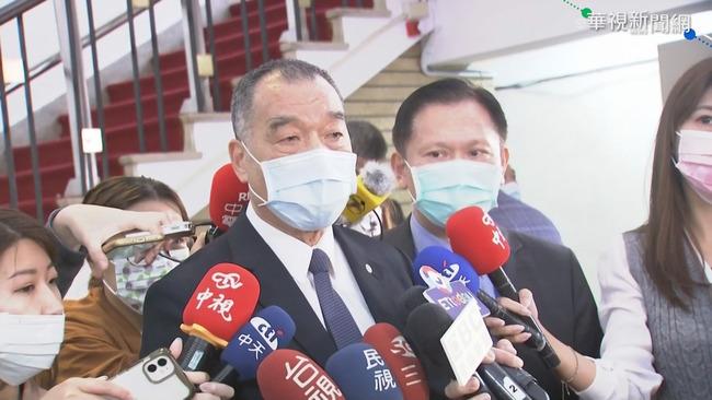 18禁露骨文登《青年日報》 國防部長道歉:會導正! | 華視新聞