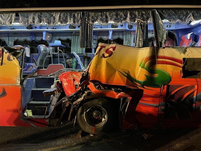 遊覽車撞山釀6死 運安會蒐證定調:公路一級事故 | 華視新聞