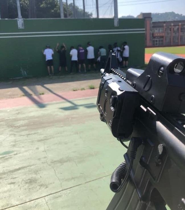 高中國防課驚見反恐「處決」 校方回應了 | 華視新聞