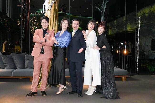 李天柱扮富爸爸與劉瑞琪湊對養《三隻小豬》 | 華視新聞