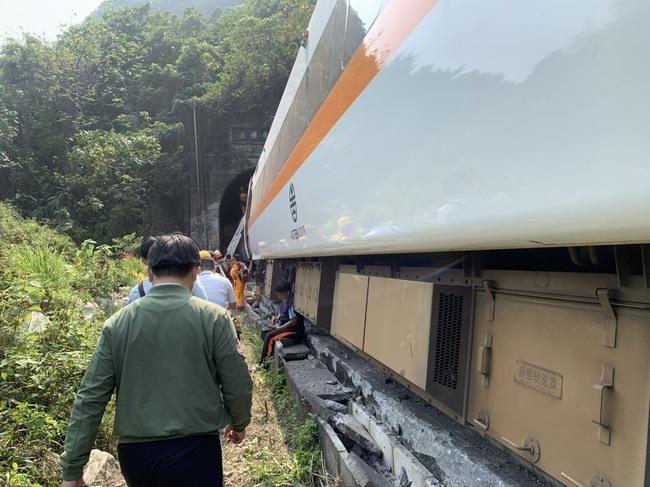 太魯閣號事故釀48死 林佳龍:會負責但非此時一走了之 | 華視新聞