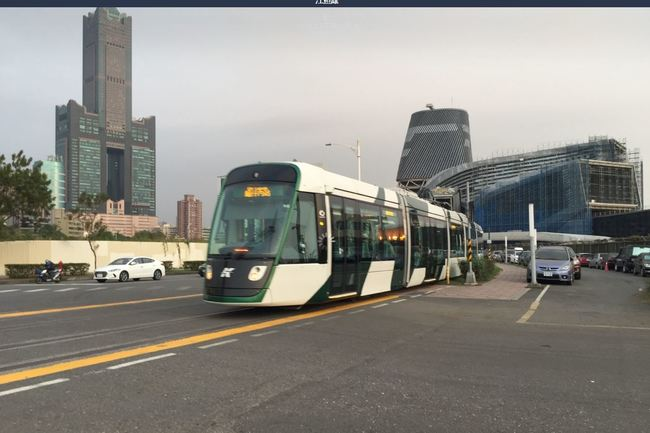高雄輕軌運用科技警示系統 避免路口碰撞事故 | 華視新聞