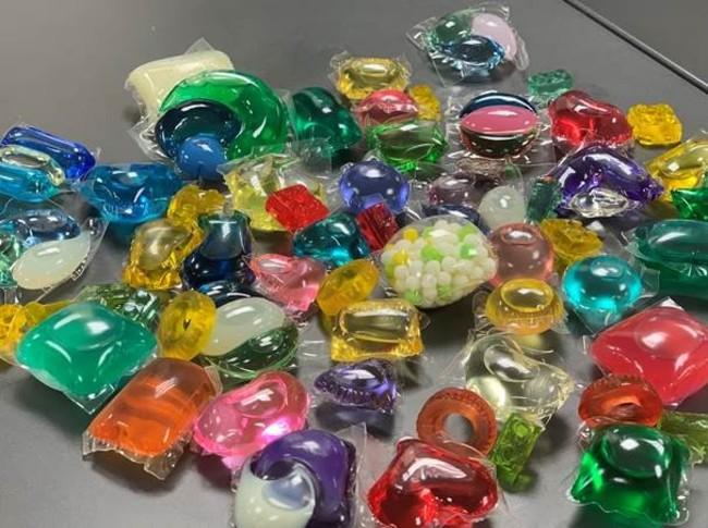 顏色繽紛像糖果害誤食!市售洗衣膠囊半數「標示不合格」   華視新聞