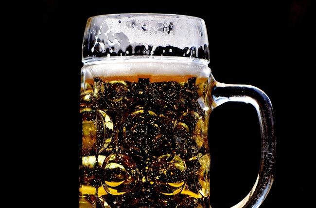 不用改名!這家店推身分證有「3」送免費啤酒 | 華視新聞