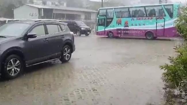 「下雨了開心也要小心」 屏東山區升級豪雨特報 | 華視新聞