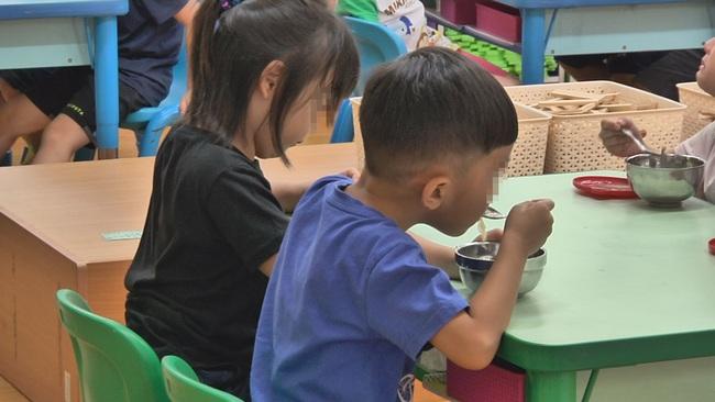 老師做裸色美甲 遭貴婦家長投訴「幼兒園不是酒店」 | 華視新聞