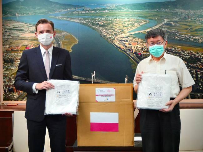 防疫助力!北市獲波蘭贈1500件防護衣 柯P:感謝外國朋友   華視新聞