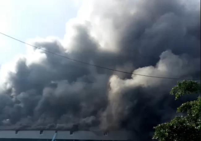 台中火力發電廠起火!台電:供電不受影響 | 華視新聞