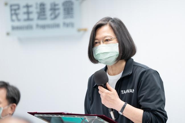 賈永婕募款捐贈「救命神器」 蔡英文深夜回應了 | 華視新聞