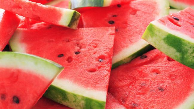 西瓜超甜熱量卻墊底! 夏季15款水果排行公布 | 華視新聞