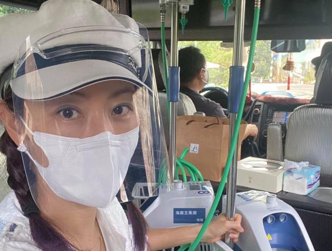 賈永婕半夜收求救訊息 攜物資衝屏東支援醫療前線 | 華視新聞