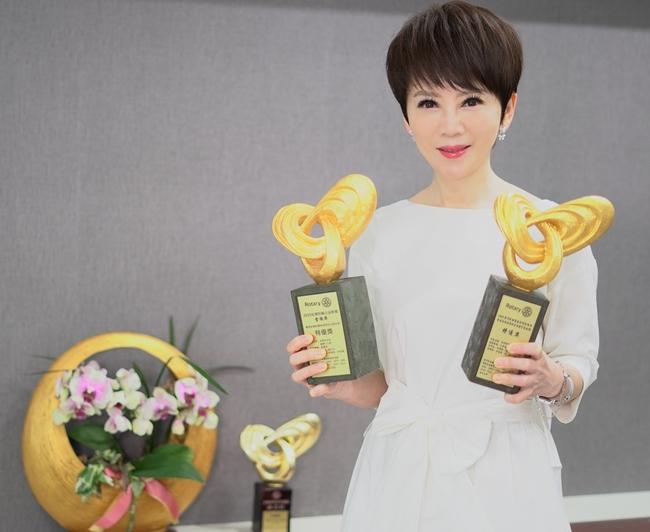 陳雅琳再奪金輪獎兩大獎  「阿信主播」忙到身體半邊痠麻求助中醫   華視新聞