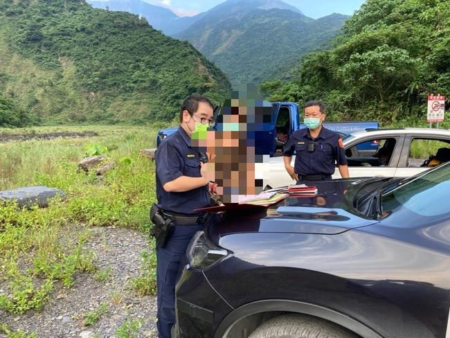 消防中隊長知法犯法 組團10人群聚屏東溯溪釀2溺死 | 華視新聞
