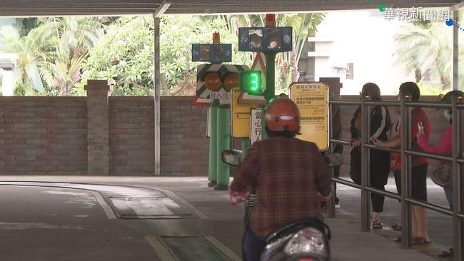 疫情限縮考駕照名額 青年想考駕照考不了! | 華視新聞