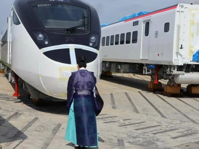 台鐵購新城際列車將抵台 日方特辦「安全祈願」儀式 | 華視新聞