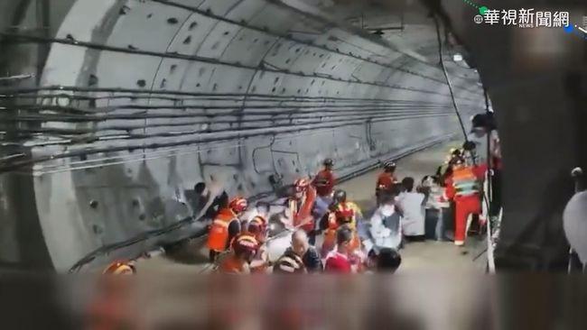 鄭州大暴雨淹進地鐵釀12死 官方:大水沖垮擋水牆 | 華視新聞