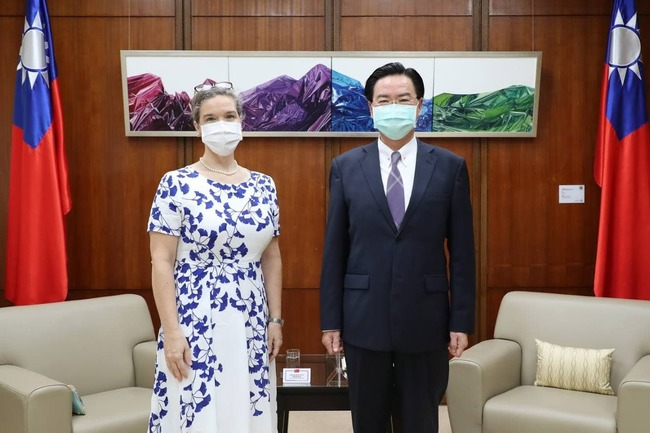 AIT新處長孫曉雅拜會吳釗燮 「美對台承諾堅定不移」 | 華視新聞