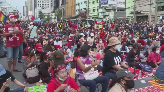 不滿政府防疫不力 反政府抗議再上演 | 華視新聞