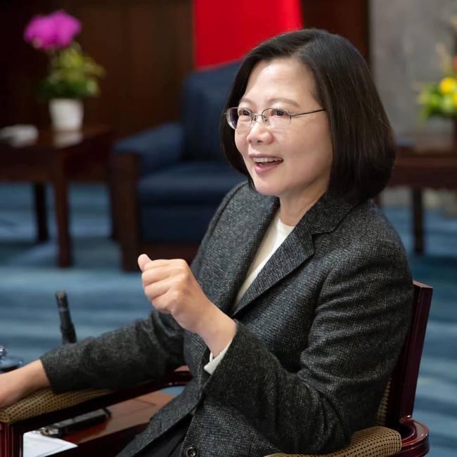 我國「台灣女孩日」  總統盼未來女孩勇敢無懼 | 華視新聞